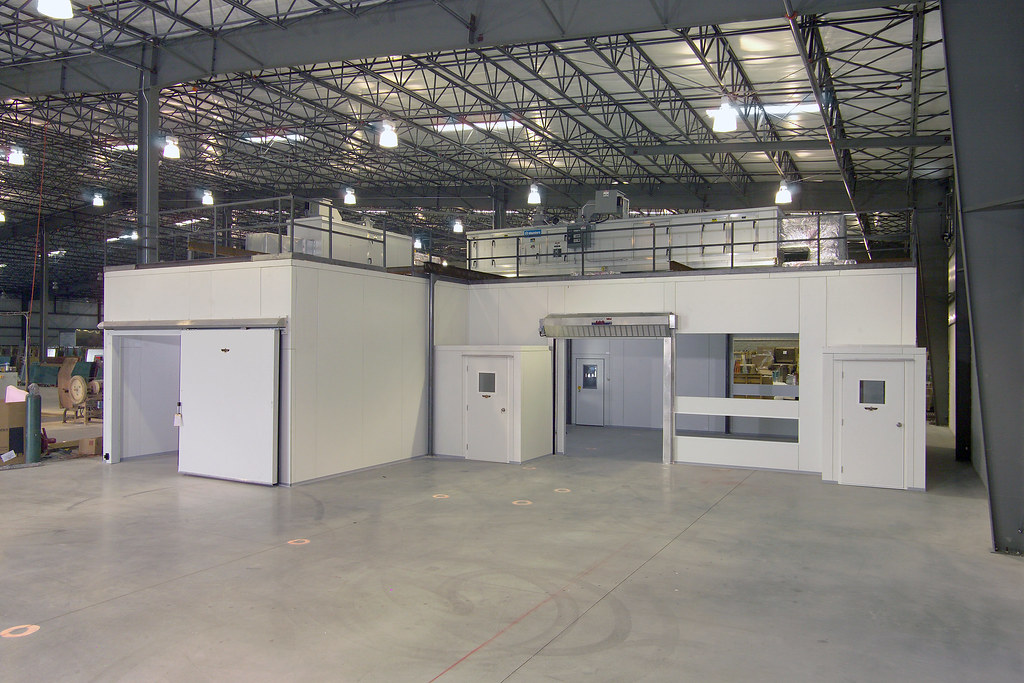 Huge Walk-in Drive-in Warehouse