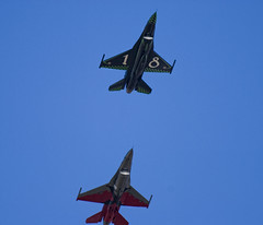 F16 S.C. del 18 e del 10 (il_rinforzino / Topo Zorro) Tags: sc airplane fly flying aircraft ferrari f16 falcon eurofighter fighting lockheed masa avion trapani efa assi generaldynamics f16fightingfalcon fightingfalcon birgi lockheedmartinf16 trapanibirgi aeronauticamilitareitaliana specialcolor skywing ilrinforzino topozorro aviacin lockheedf16 cheero 37stormo 1000oredivolo 10gruppo 17gruppo gliassi ociochetecoppo 1000ore
