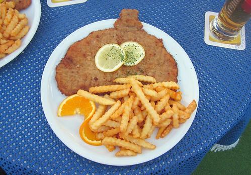 """Small Schnitzel """"vienna style"""" with french fries / Kleines Schnitzel """"Wiener Art"""" mit Pommes Frites"""