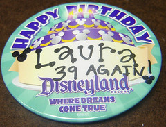 B-day Button