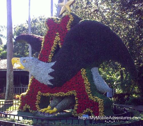 11112008249-topiary-eagle