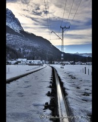 Richtung Hammersbach... (mcPhotoArts) Tags: schnee winter sky mountain snow clouds germany bayern deutschland bavaria himmel wolken berge soe hdr garmischpartenkirchen geotagging hochspannungsleitung zahnradbahn flickrsbest bej canoneos400d hammersbach anawesomeshot impressedbeauty amazingamateur newacademy sigma1770mm2845dcmacro goldstaraward amazingexcellence overtheshot bumblebeephotografix zuggleise bayerischezugspitzbahnberge ffgapashow