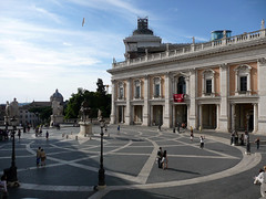 Piazza del Campidoglio.JPG (southofbloor) Tags: italy rome roma building architecture steps courtyard piazza michelangelo campidoglio eliptical elipse cordonata