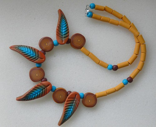 Necklace with leafs