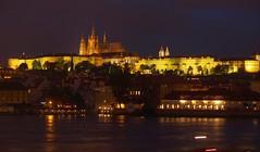 Hradschin by night (haesy) Tags: castle night prag praha hradschin burg czechia moldau pragerburg