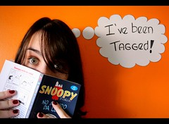 I've been tagged - 10 things about me (Honey Pie!) Tags: orange girl book laranja peanuts greeneyes snoopy garota livro blackborder orangewall olhosverdes bordapreta paredelaranja ivebeentagged eufuitaggeada