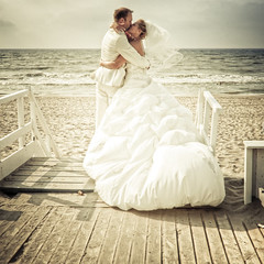 Wedding / Trouwreportage / Bruiloft (siebe ) Tags: wedding sea holland love beach dutch strand vintage groom bride kiss couple nederland thenetherlands zee romantic bridal mariage kus trouwen bruiloft bruid bruidegom trouwfoto bruidsreportage trouwreportage huwelijksreportage strandstock