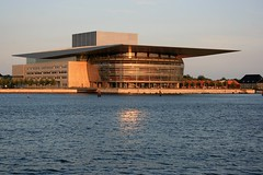 Copenhagen - Operaen / Opera at sunset (Osthollnder) Tags: sunset summer reflection colors copenhagen geotagged denmark nyhavn opera colorful sonnenuntergang nightshot sommer july juli dnemark danmark kopenhagen 2009 farben reflektion operean