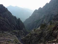 Campu di Vetta : tombée du jour sur le ravin principal du Fangu sous le balcon du bivouac