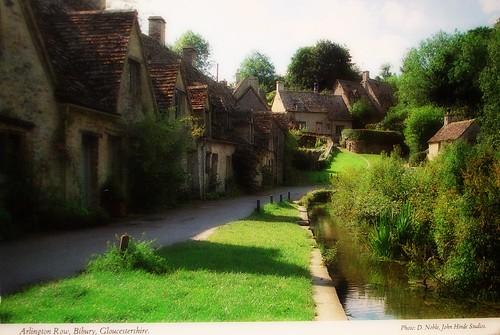 Vintage Postcard Bibury Gloucestershire England 006
