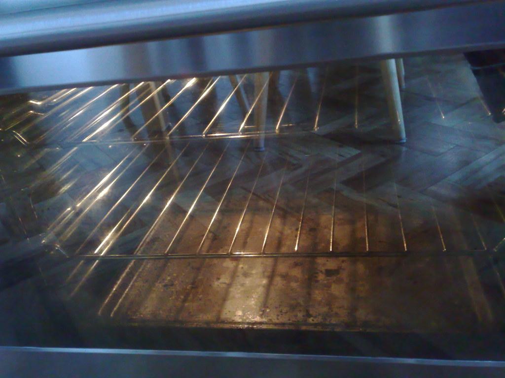 Sparkling glass oven door!