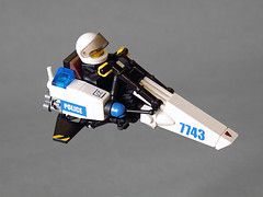 Police speederbike GOT-u (Jerac) Tags: bike lego space police speeder