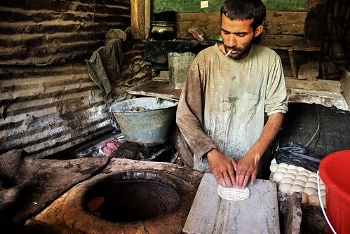 Making Kashmiri rotis