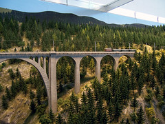 Brücke (loitz79) Tags: bridge alps münchen geotagged bayern deutschland alpen brücke deu ima neubau modelrailway modellbahn spurh0 internationalemodellbahnausstellung gaugeh0 geo:lat=4813648743 geo:lon=1170087933 internationalemodellbahnausste