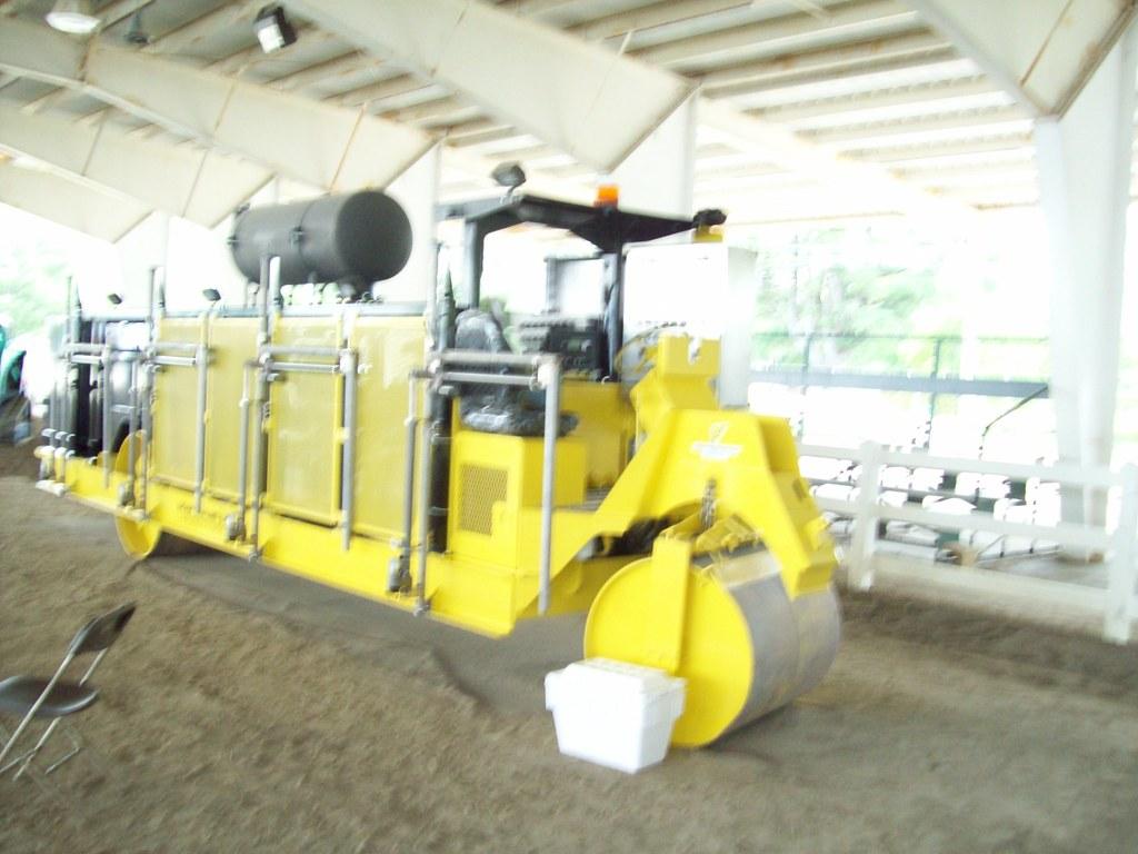 infrared asphalt seam heater roller