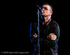 U2-2009-LasVegas-24 (wwwayazdotcom) Tags: music usa u2 concert travels lasvegas live nevada nv northamerica samboydstadium 360tour