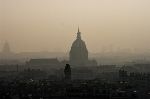 Paris, les toits vus du Trocadéro avec les Invalides et le Panthéon