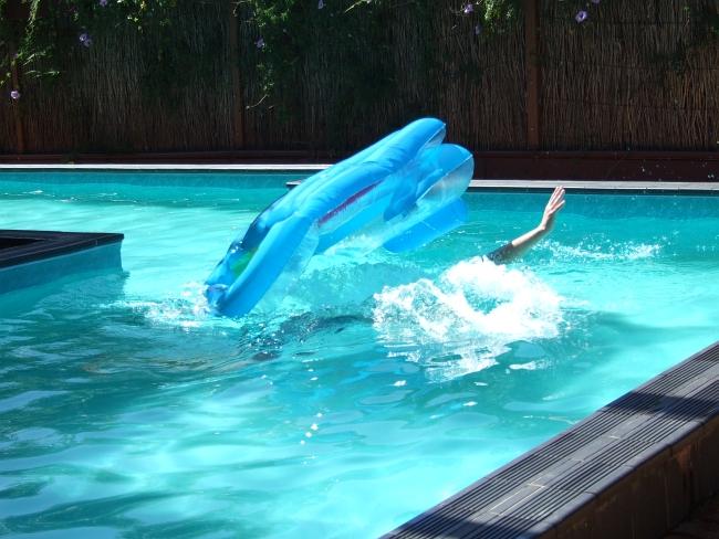 pool dunking 02