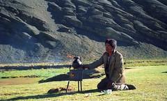 Dung stove (reurinkjan) Tags: 2002 nikon tibet everest tingri jomolangma tibetanlandscape བོད janreurink dungstove ཐབ་ཀ བོད། བོད་ལྗོངས།