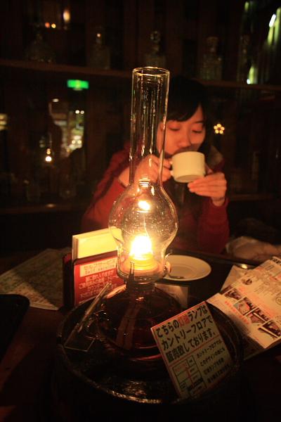 2009北海道-D3-3-歐風煤油燈咖啡_09.JPG