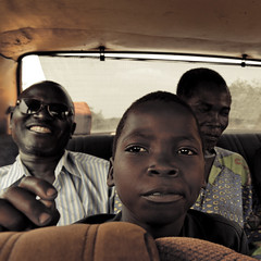The African Smile, It's Always There! (Willem Heerbaart) Tags: portrait kid westafrica benin frontal ontheroad flickrsbest africansmile fpggold2009i geoafrica