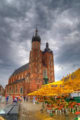 Mariacki (timhughes) Tags: europe pentax poland krakow 2009 hdr mariacki thebp k100d