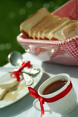 """in fs ..* (Queen333"""" ) Tags: morning red cup cheese breakfast rural canon ball is tea head good tripod knife atmosphere spoon kerry fresh honey pro l usm ef f4 manfrotto condition 322rc2 24105mm 055xprob"""