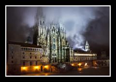Plaza Obradoiro. Catedral de Santiago de Compostela (JuanDeOtto) Tags: santiago catedral compostela nocturna niebla 450d 1855is