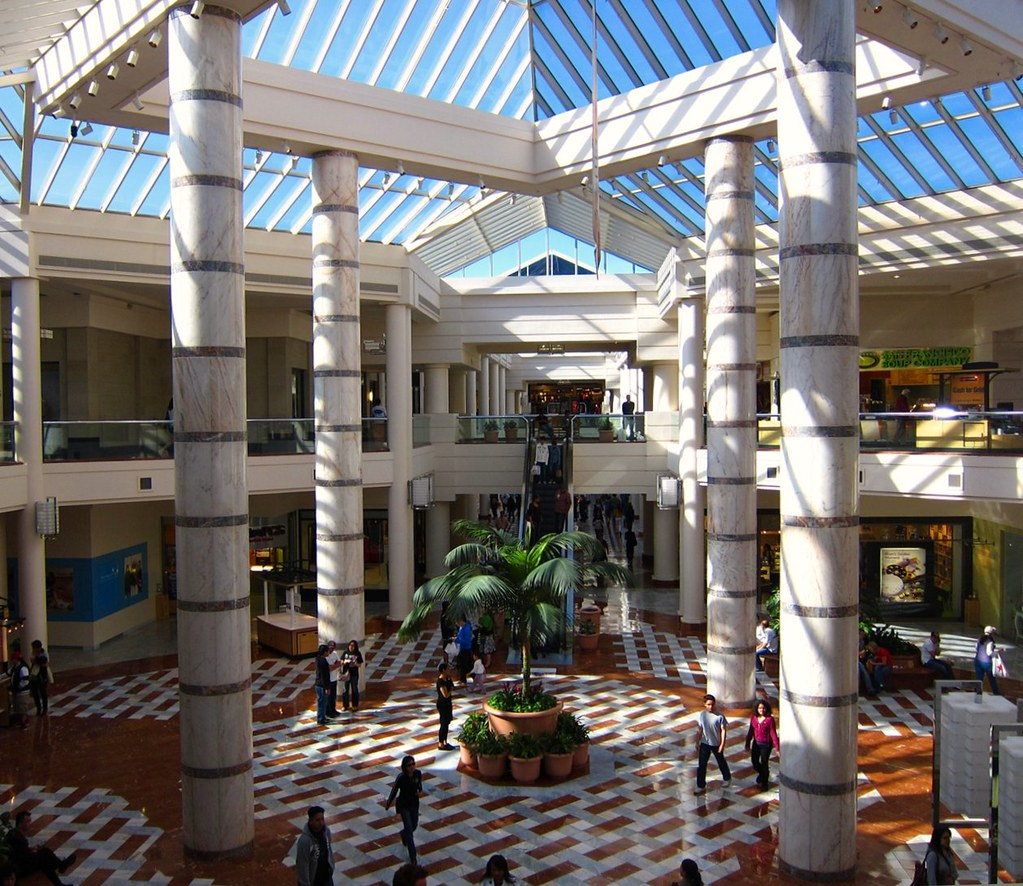 """Photo of the Day: May 1, 2010 - """"Stonestown Mall and Make Up Day"""""""