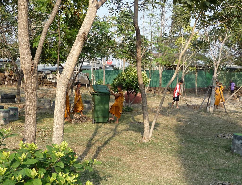 Phetburi-Wat Kamphaeng Lang (1)