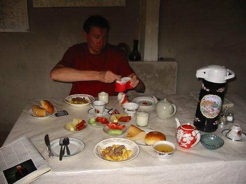 Ontbijtje bij Bahodir B&B