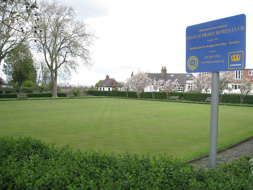 bowling green and sign
