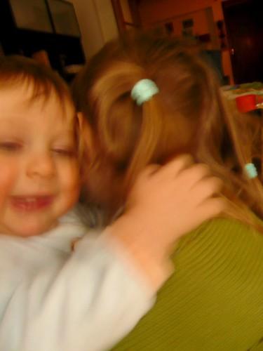 "abrazo ""hermanal"""