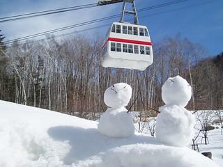 《新穂高》雪人看纜車