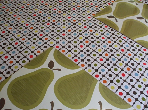 tablecloth + placemats