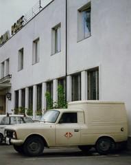 Druzhba -   -  Post Office and Van, St Konstantin, Varna Oct 1993 (sludgegulper) Tags: st office poste post 1993 bulgaria van konstantin postamt bulgarien moskvich moskvitsch