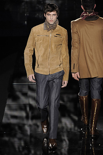 Sean O'pry3021_FW09_Milan_Carlo Pignatelli Outside