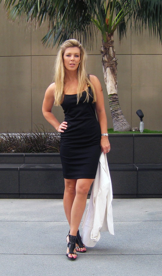 lbd-little-black -dress-white-blazer-11