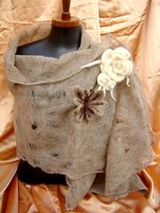 Cobweb xale (lucia higuchi) Tags: wet felting molhada feltragem feltingcobweb