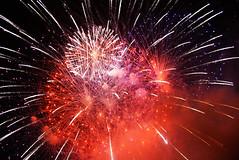 The Final Fire! (Omar Corrales) Tags: fireworks fiestas 24mm pirotecnia fuegosartificiales festes 24105 canonef24105mmf4lisusm canon400d canoneosdigitalrebelxti canoneos400ddigital omarcorrales