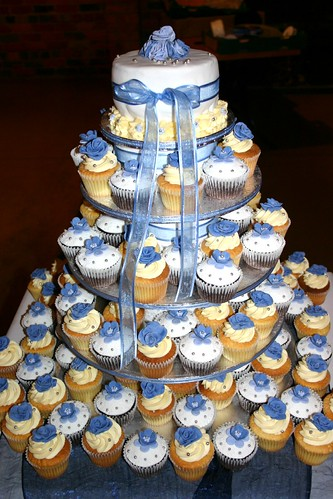 A blue white silver wedding by The Cupcake Tarts previously Tutta Bella