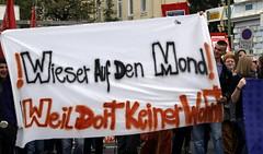 Tranparent @ Demo (Daniel Friesenecker) Tags: politik sterreich protest demonstration sj polizei transparente slp aks wels rassismus wieser kp fp koits