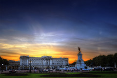 Buckingham Sunset (almonkey) Tags: blue sunset red london gold nikon palace queen buckinghampalace hdr touristattraction d700 gratuitoushdrsunset overdoingitagain