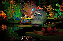 Magic Kingdom - its a small world (Cory Disbrow) Tags: wdw disney waltdisney waltdisneyworl waltdisneyworldresort magickingdom hub mainstreetusa fantasyland itsasmallworld darkride lowlight canon canoneos5dmarkii canonef50mmf14usm photoshop cs4 lab travel vacation magic magical florida fl orlando lakebuenavista baylake sevenseaslagoon reedycreek worlddrive august2009 2009 corydisbrow disneyphotochallengewinner