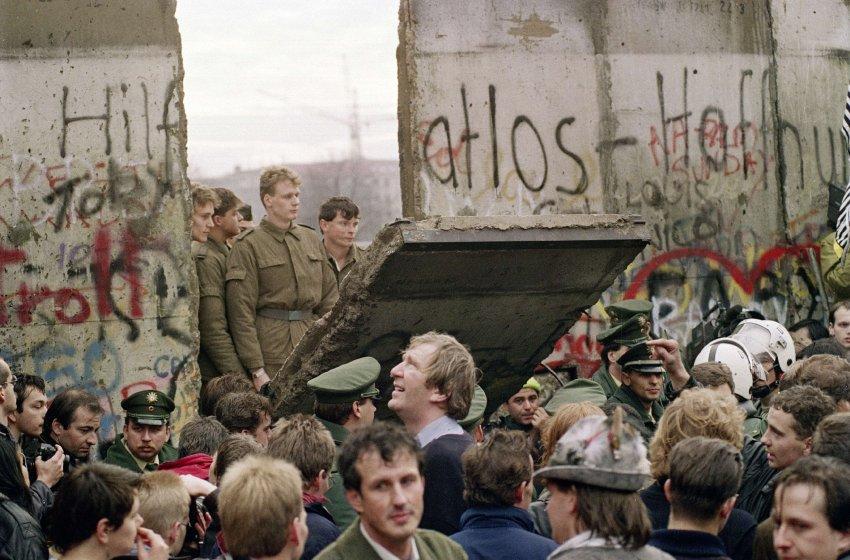 A Queda do Muro de Berlim 4090470722_65dc5c29ae_o