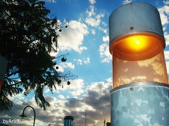 u r b a n . l i g h  t (byArii) Tags: city blue light sky building tree luz argentina metal azul modern atardecer poste buenosaires ciudad ventanas cielo nubes rbol farol naranja moderno puertomadero clowds urbanismo viga edifcio byarii somosflickrs arielrivadeo