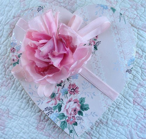 wallpaper heart. Vintage Wallpaper Heart Box by