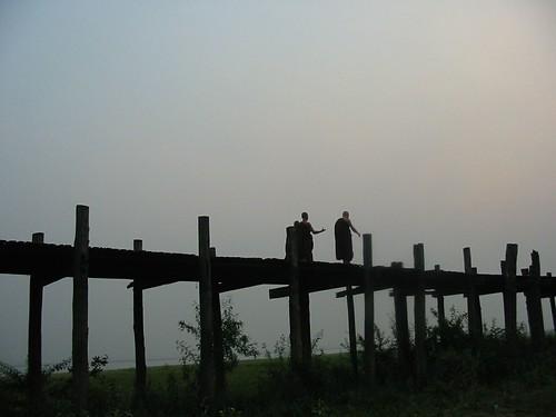 langste teakhouten brug ter wereld