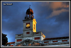 Reloj de la Puerta del Sol (Madrid) (sevac) Tags: madrid sol del puerta nikon hdr photomatix 18135 d80 sevac
