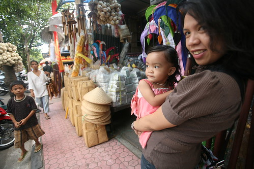 with Dia, shopping for Balinese housewares